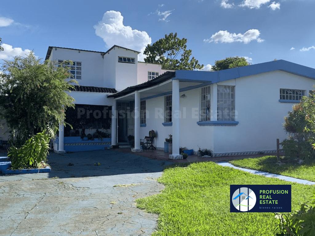 Amplia Casa con Jardín en San Cristóbal Sector A1