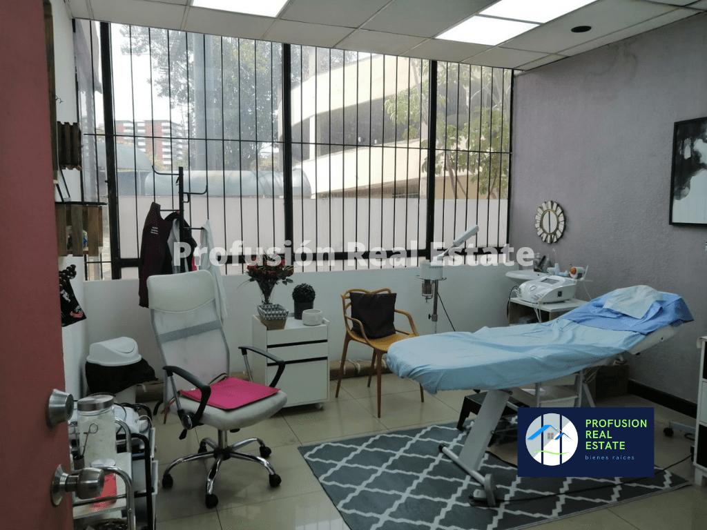 Clinica en Edificio Medico Obelisco