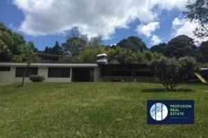 Vendo Casa, amplio jardín, Km. 13.1 Carretera Al Salvador, Finca El Socorro