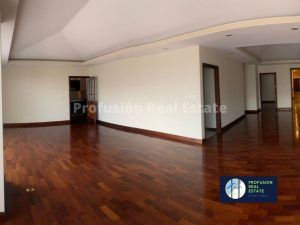 Apartamento en Edificio Santa María zona 10